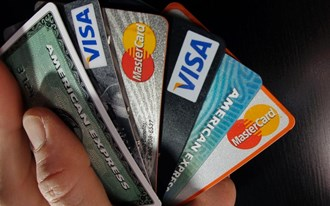 Andrew Hagger from moneycomms.co.uk discusses the latest credit card frenzy.