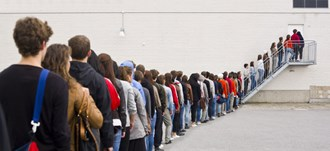 How long will you wait in a queue? People will wait an average of 6 minutes before giving up