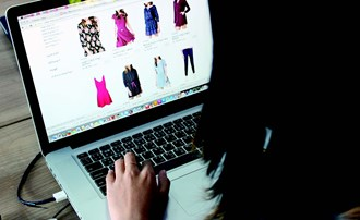 How are online retailers competing with the physical high street?