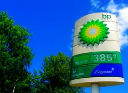 BP reveals slick Q1, moves back into black